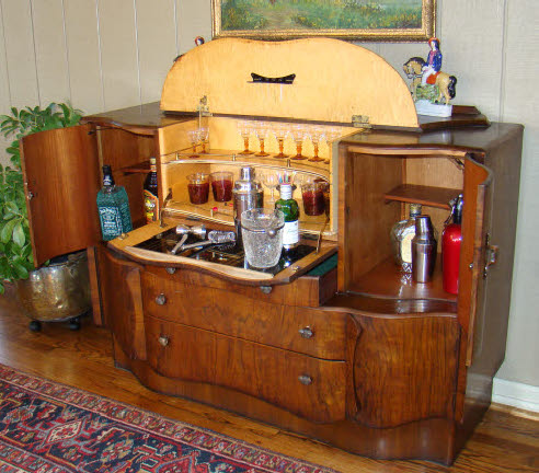 Antique art deco pop up martini bar liquor cabinet - Deco bar design ...